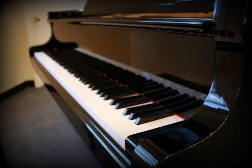 88 keys full piano size