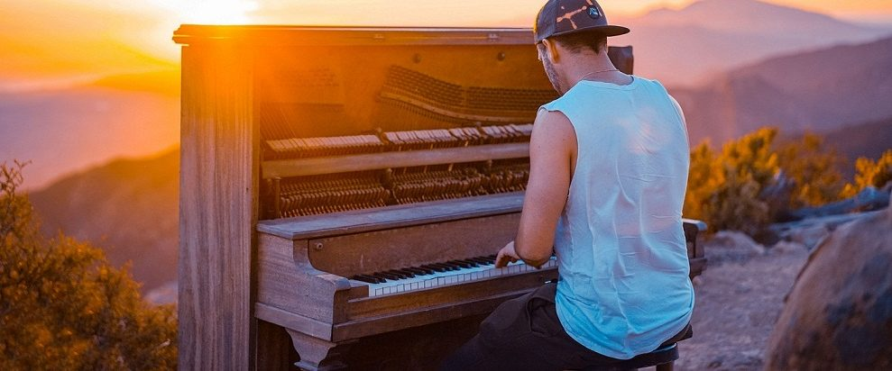 musicgny learn to play piano